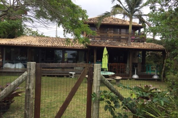 Casa Beira da Lagoa – Condomínio Ibira