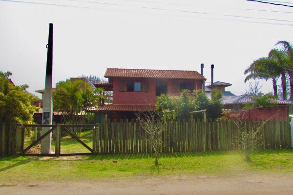Casa na Barra de Ibiraquera – Rua Porto Seguro