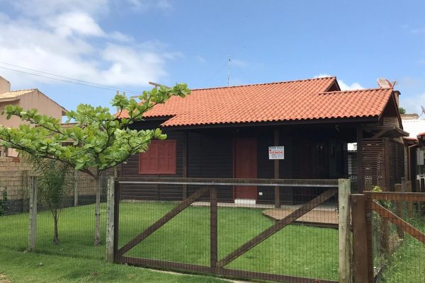 Casa Na Barra de Ibiraquera – Rua Alvina Ferreira