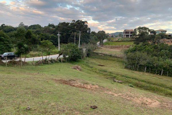 Terreno no Rosa de 768 m² com vista p/ Lagoa de Cima